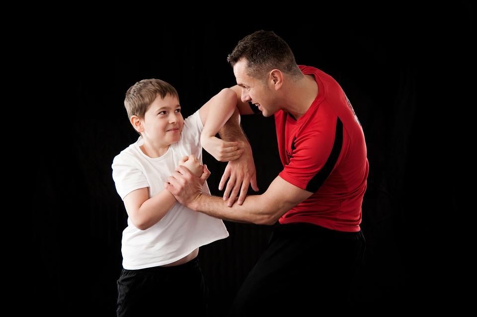 # Mein Kind schlägt # Mein Kind beißt #Meine Kind hat Wutausbrüche #Mein Kind schreit #Aggression und #Wut bei Kindern und Erwachsenen. Wie Aggression entsteht, warum sie ein wichtiges Signal ist und wie Erwachsene damit umgehen können!