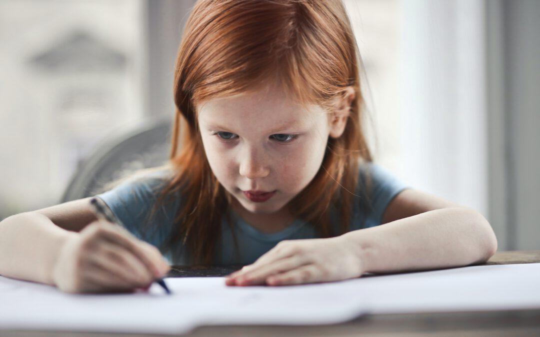 Drama bei den Hausaufgaben: Mein Kind will keine Hausaufgaben machen. Was tun?